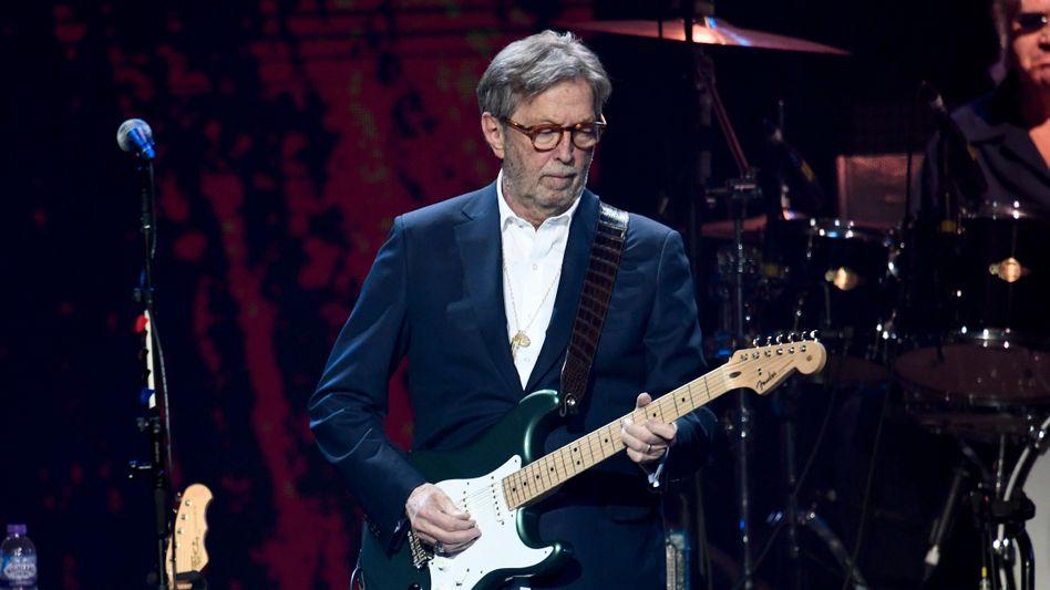 Musiker Clapton auf der Bühne (Archivbild vom März 2020): Will kein »diskriminiertes Publikum«