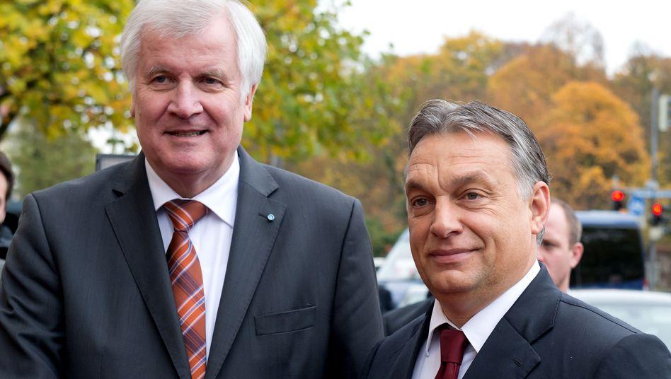 """Ministerpräsidenten Seehofer, Orbán (im Jahr 2014): """"Nicht verteufeln"""""""