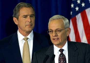 Eisiges Verhältnis: Bush und O'Neill (Archivfoto vom Dezember 2000