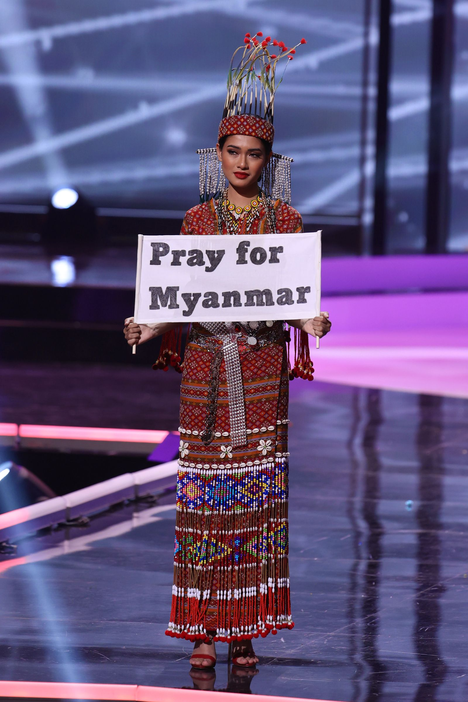 BESTPIX: Miss Universe 2021 - National Costume Show