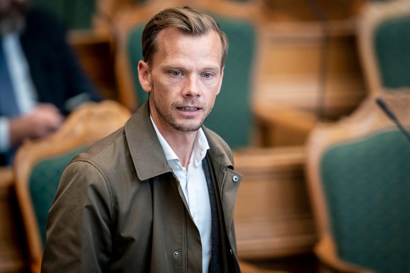 Beskaeftigelsesminister og minister for ligestilling Peter Hummelgaard Thomsen (S) under fremsaettelsen af lovforslag ve