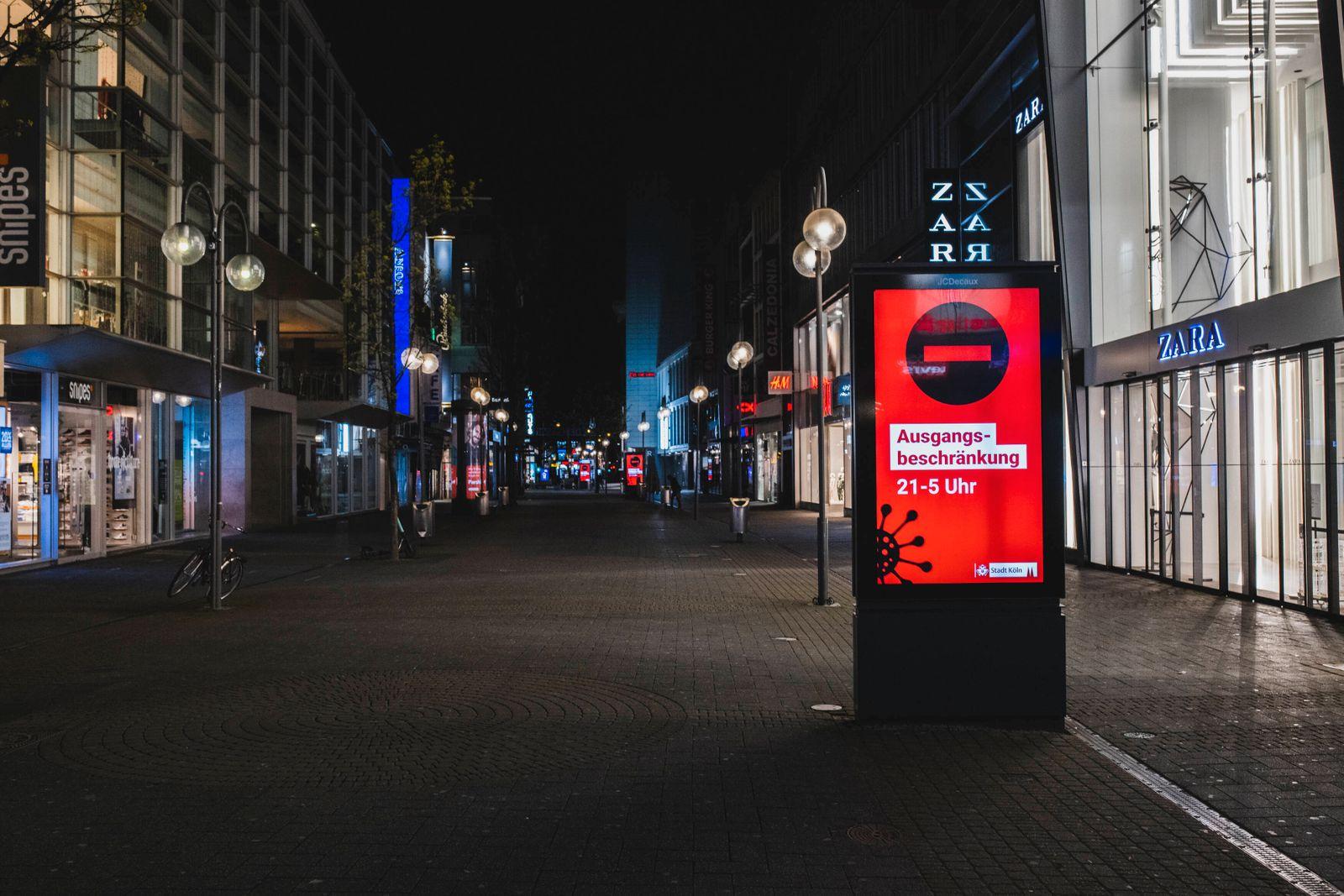 Ausgangssperre in Köln Köln, Innenstadt, 17.04.21-18.04.21: Bilddokumentation der Ausgangssperre von 21Uhr bis 5Uhr, Lee