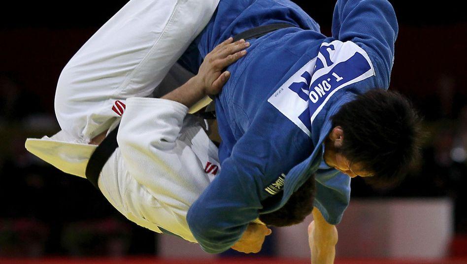 Judo: Kampfsportler sind härter im Nehmen.