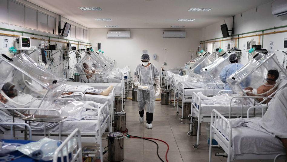Covid-19-Station in Brasilien: Weltweit wurden bislang 3,3 Millionen Covid-19-Tote registriert