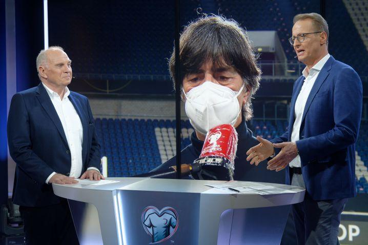 Florian König bei RTL mit Uli Hoeneß als Länderspiel-Experte
