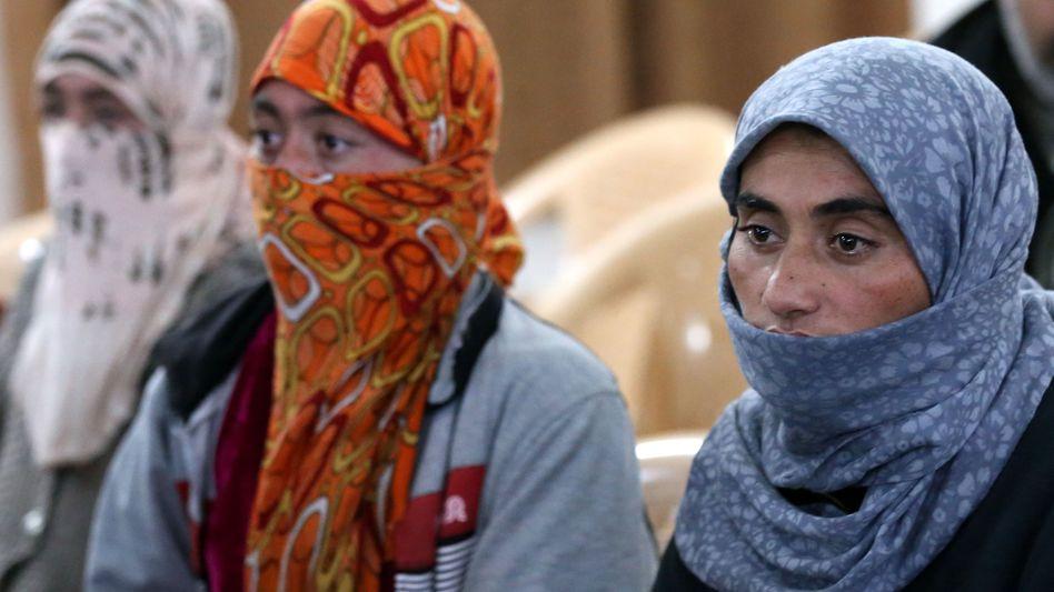 """Jesidische Frauen im Irak: Vom """"Islamischen Staat"""" verschleppt und gegen Lösegeld freigelassen"""