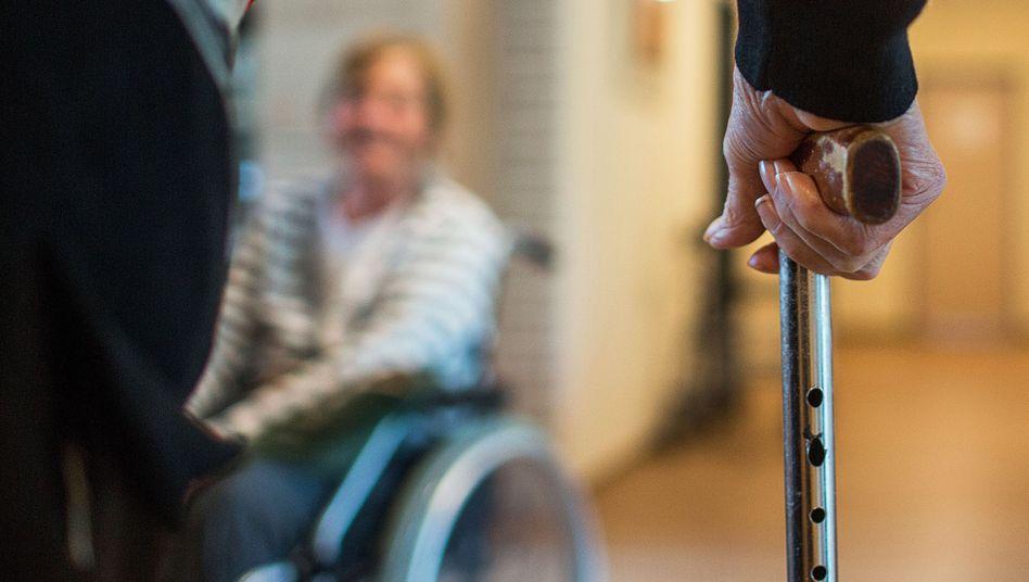 Pflegebedürftige Menschen in einer Wohngemeinschaft