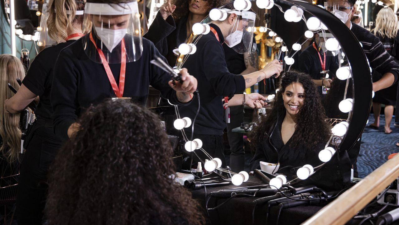 Staffelstart bei »Germany's Next Topmodel«: »Diversity!«-Gesummse in der Flachbauchnabel-Selbstbespiegelung - DER SPIEGEL