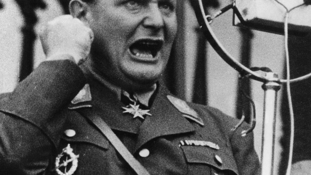 Photo Gallery: Göring's Good Brother