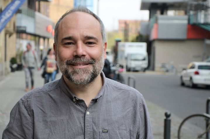 """Wanderte selbst in der Wirtschaftskrise nach Berlin aus: Raúl Gil, Co-Gründer von """"Volvemos"""""""