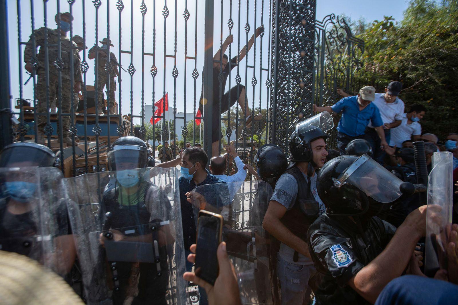 Tunisian President Kais Saied suspends parliament, assumes executive powers