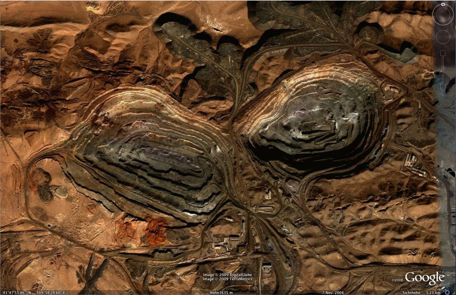 DER SPIEGEL 45/2009 Seite 85 Rohstofflücke, Bergwerk China Google Earth