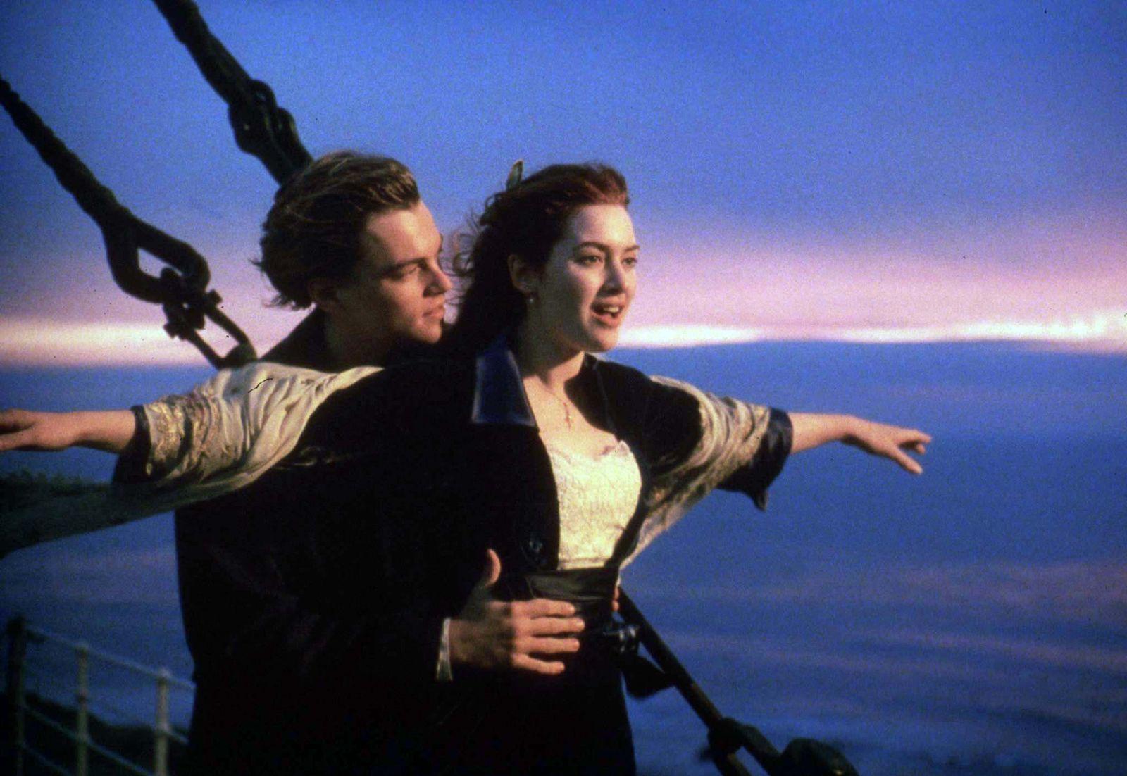 """EINMALIGE VERWENDUNG KEIN SYMBOLFOTO!!!!! Filmszene """"Titanic"""" DiCaprio / Kate Winslet"""