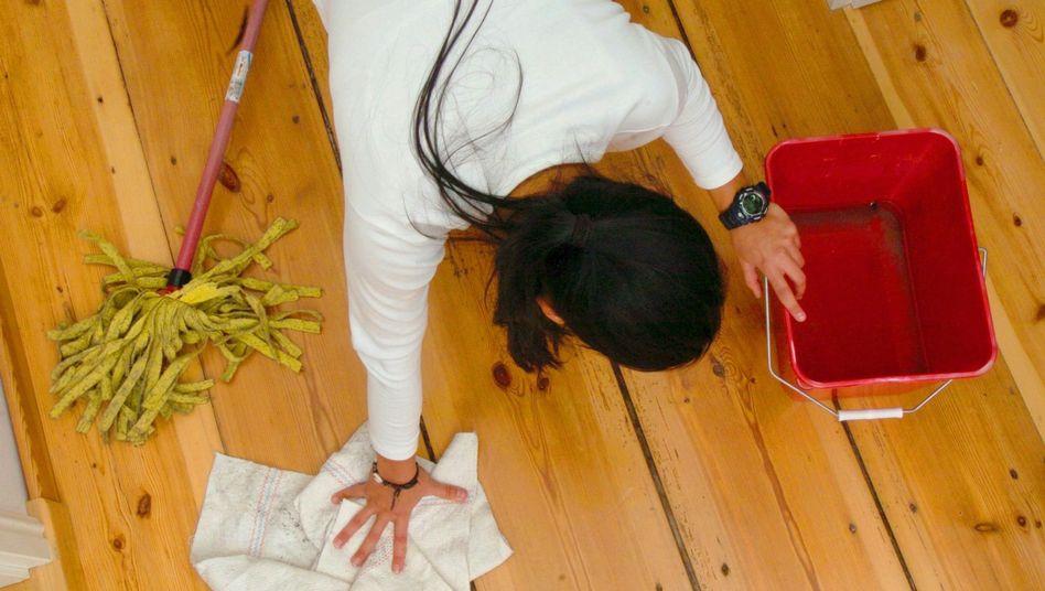 Reinigungsarbeit ist körperlich belastend