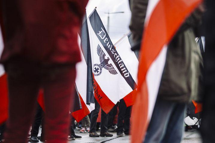 """Rechte Zielobjekte: Demonstration der Partei """"Die Rechte"""" in Leipzig"""