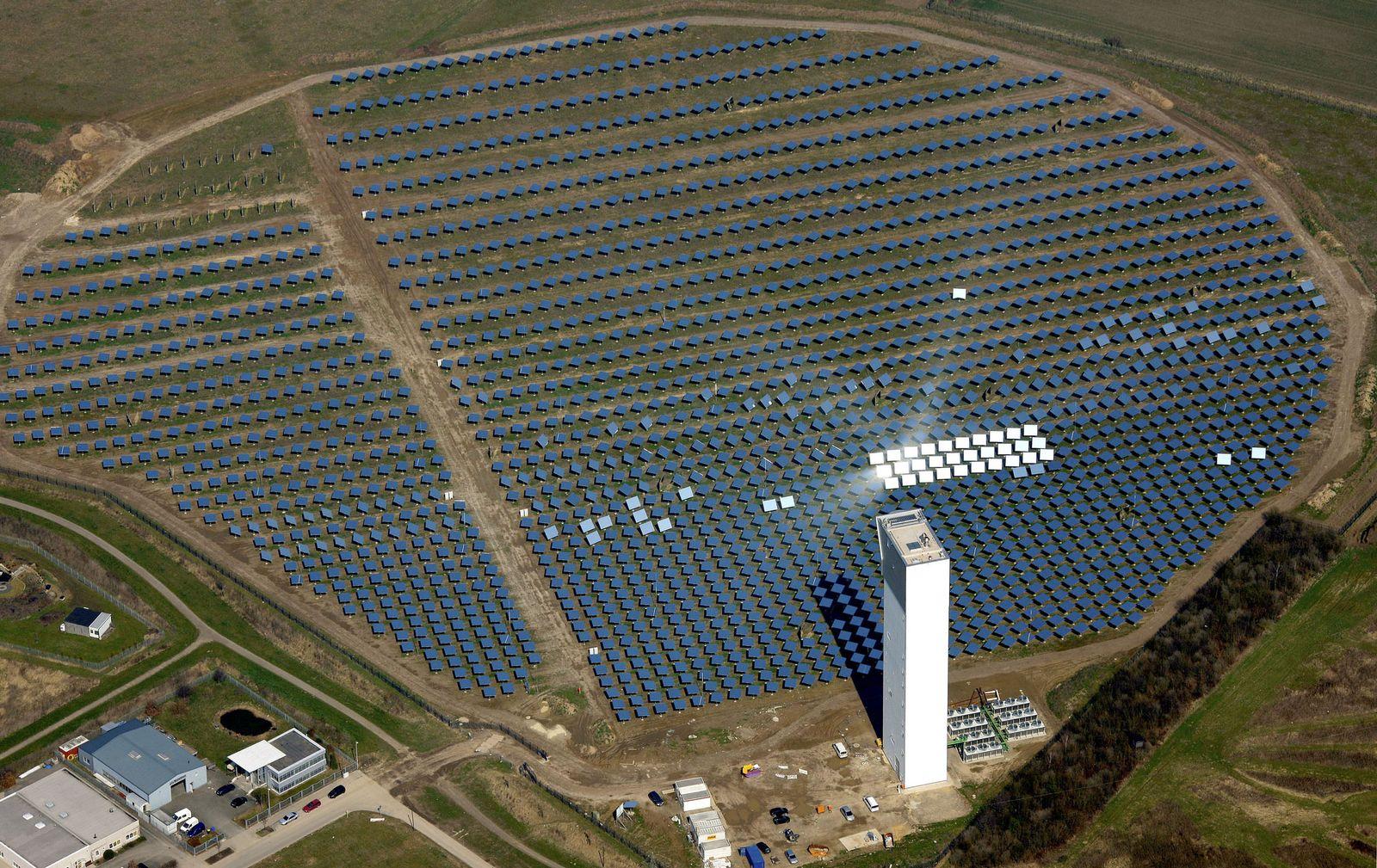 NICHT VERWENDEN Solarturmkraftwerk Juelich
