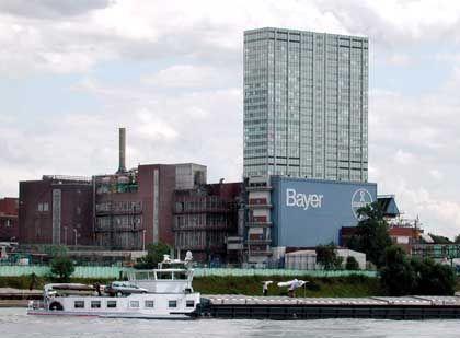 Sprachlos nach Forderung, das Patent zu lockern: Bayer (Werk in Leverkusen)
