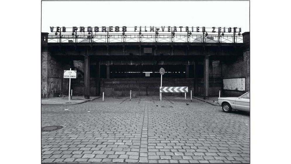 Mauer-Bilder: Grenzgänger mit Kamera