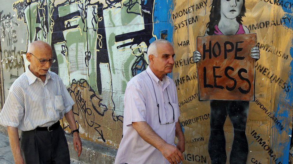 Graffiti in Athen: Griechenland steckt seit sechs Jahren in der Rezession