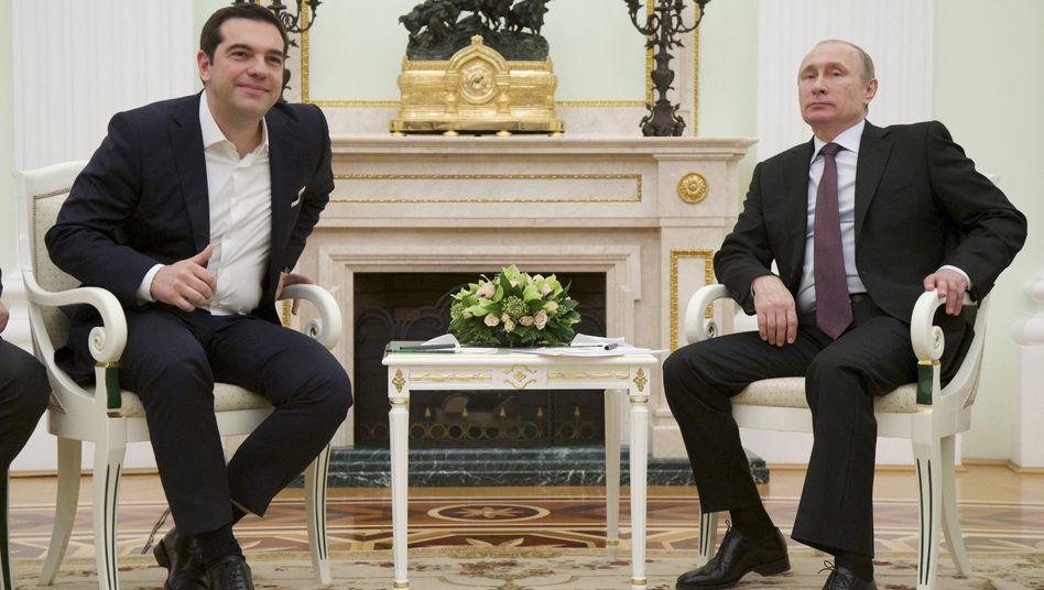 Griechischer Premier in Moskau: Tsipras lockt, Putin bremst
