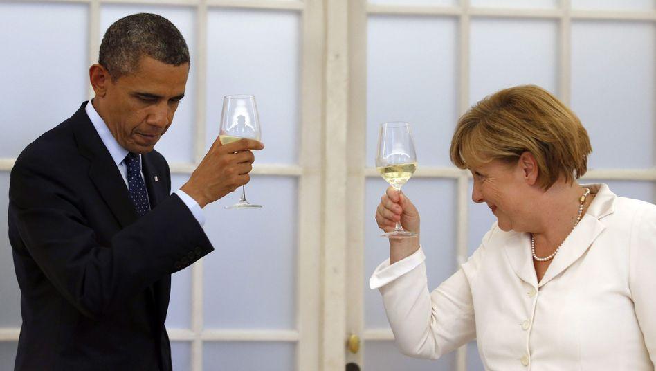 US-Präsident Obama, Kanzlerin Merkel: Freiwillige Unterwerfung