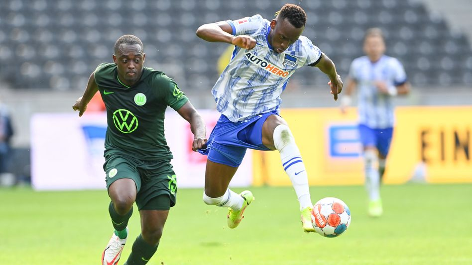 Dodi Lukébakio (r.): hier noch im Hertha-Trikot, künftig im VfL-Dress