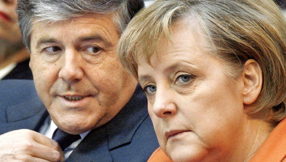 Ackermann, Merkel: Deutsche-Bank-Chef sorgt für Verstimmung in der Bundesregierung