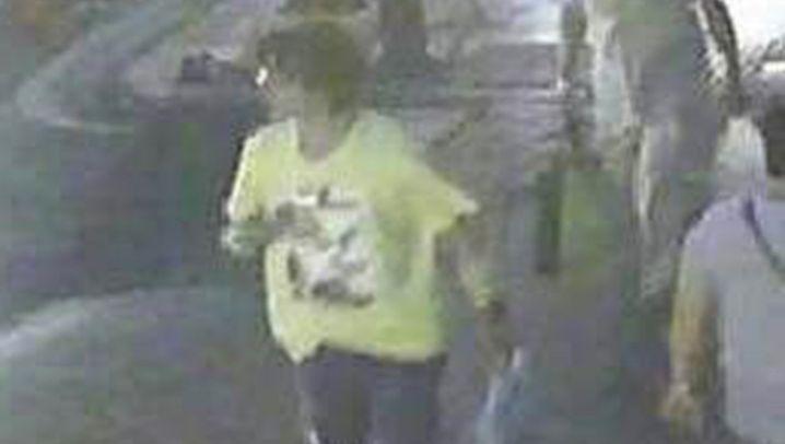 Bombenanschlag in Bangkok: Suche nach dem Mann im gelben T-Shirt