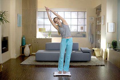 Wii Balance Board: Yoga vor dem Sofa