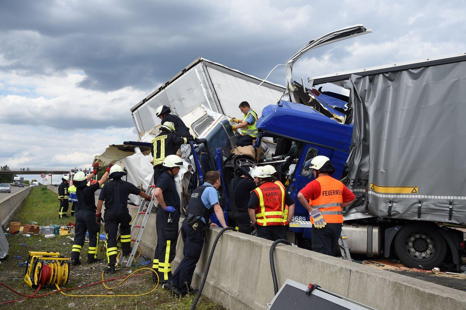 Drei Tote bei Unfall auf A7