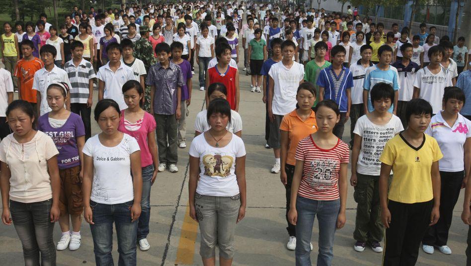 Asiatisch College Mädchen Spiegel