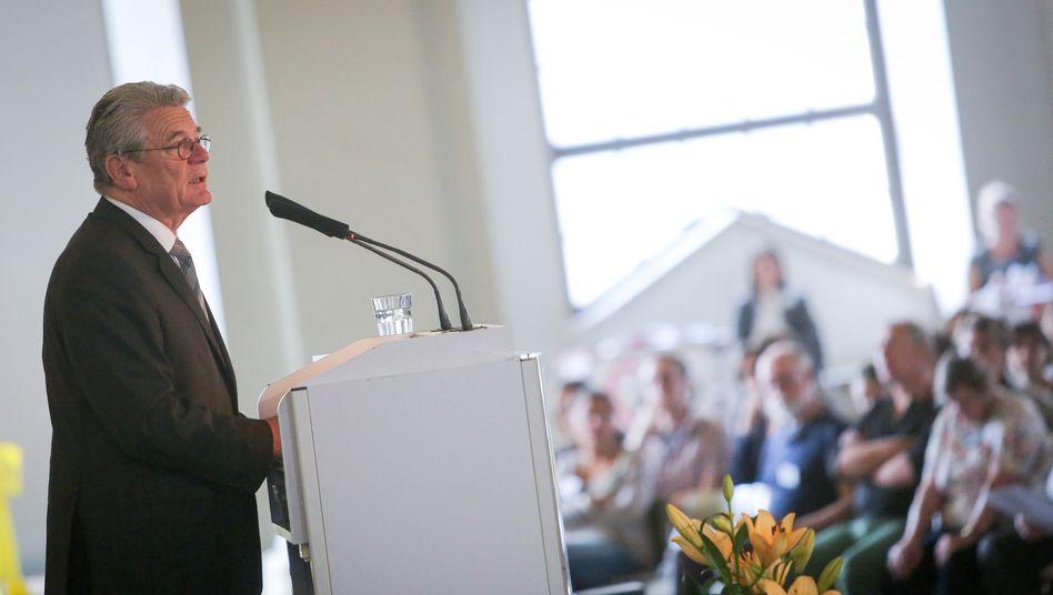 """Bundespräsident Gauck beim Berliner Symposium zum Flüchtlingsschutz: """"Niemand in Europa sollte sich daran gewöhnen"""""""