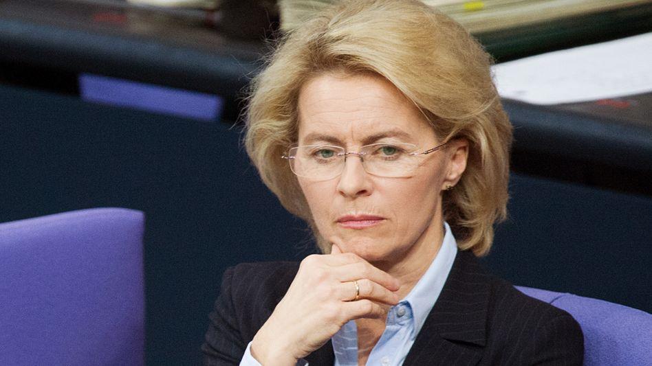 Ministerin von der Leyen: Airbus Defence will dreistelligen Millionenbetrag fordern