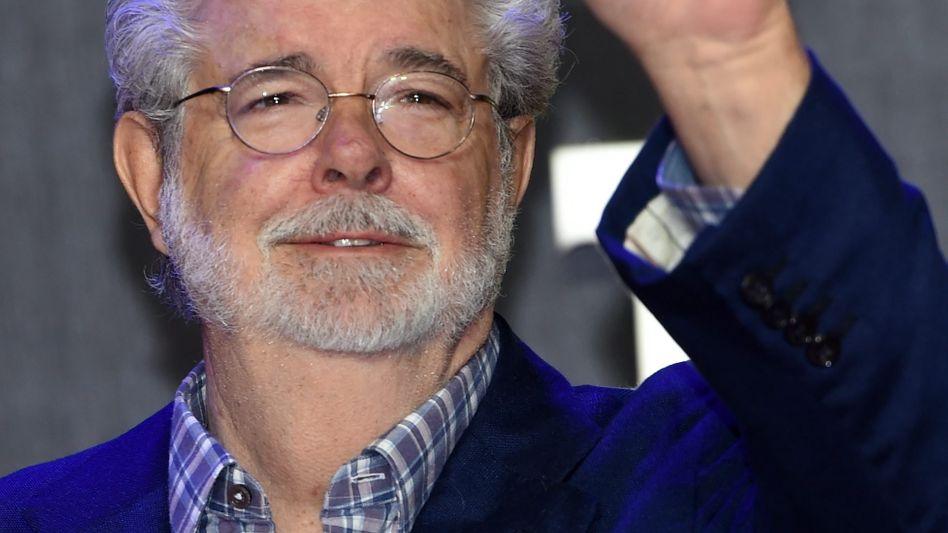 """George Lucas bei der Europa-Premiere der """"Star Wars""""-Episode VII: Retro, aber erfolgreich"""