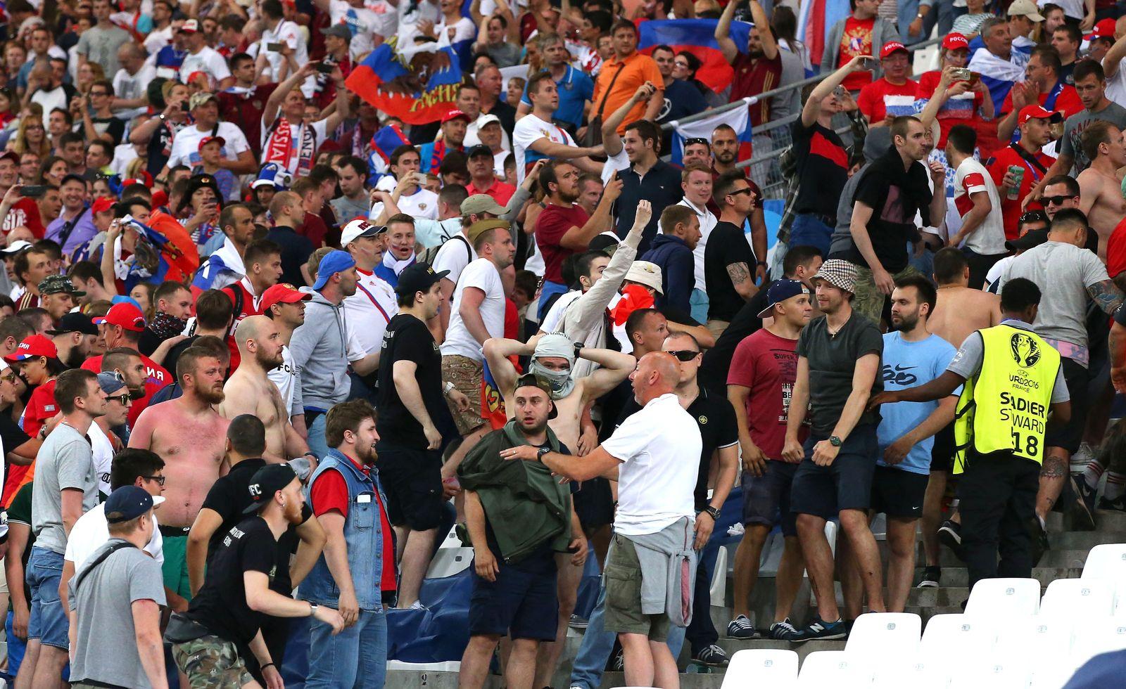 Hooligans/ Fans/ Krawalle/ England vs Russland/ EURO 2016