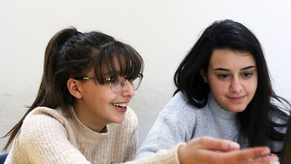 """""""Meet""""-Teilnehmerinnen Nadia (li.) und Adi: """"Wundervolle Freunde gefunden"""""""