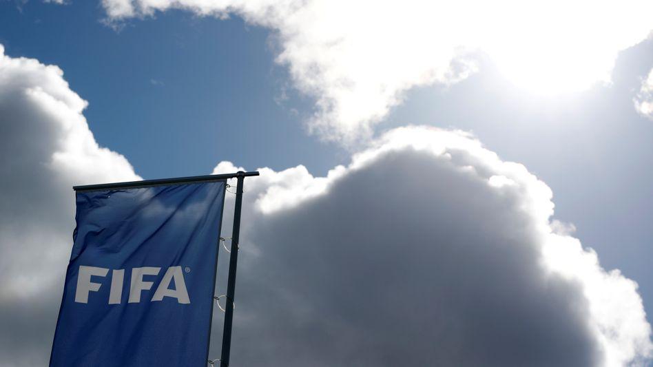 Eine Flagge am Fifa-Hauptquartier in Zürich