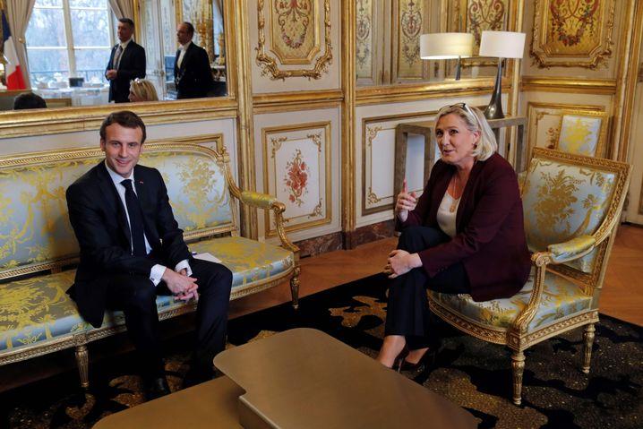 Emmanuel Macron mit Marine Le Pen
