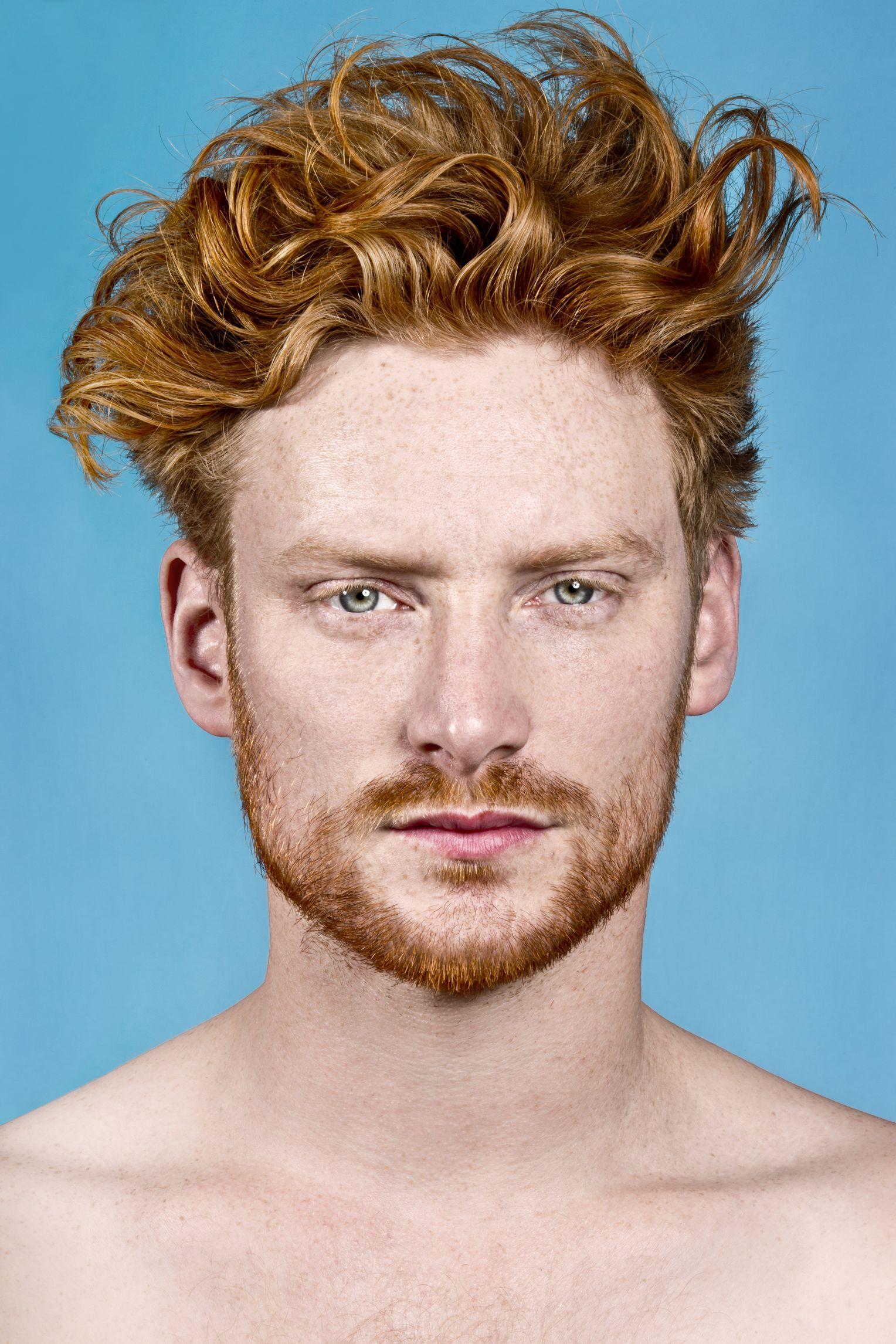 Blonde haare blaue augen männer