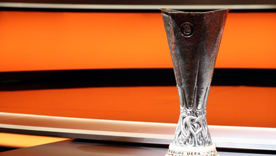 Europa-League-Trophäe