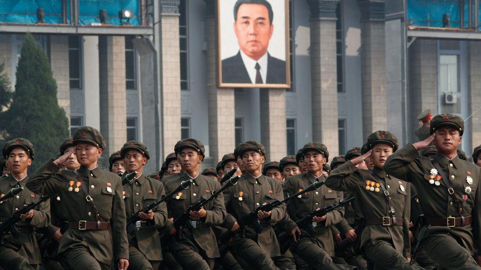 Nordkoreanische Truppenparade in Pjöngjang am 10. Oktober: Demonstration der Stärke
