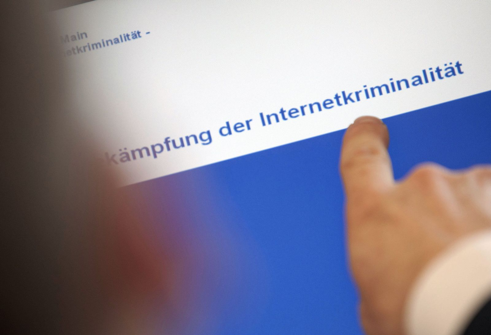 SYMBOLBILD Internetkrminalität / Internet