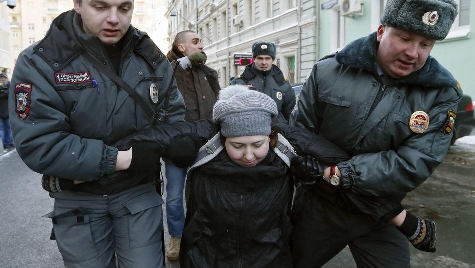 Verhaftung nahe der Duma: Protest gegen Anti-Homosexuellen-Gesetz