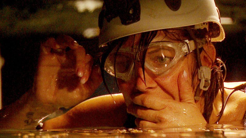 Tag 2 im Dschungelcamp: Danni verliert im Wassertunnel - Flusskrebsalarm!