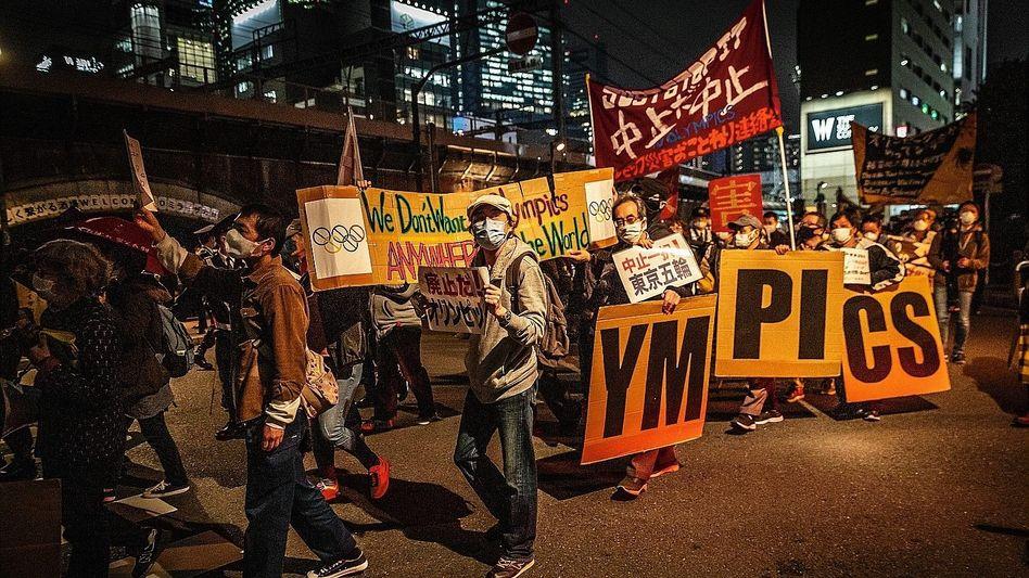 Anti-Spiele-Protestierende am 25. März in Tokio: »Wir sind in der schlimmsten Welle«