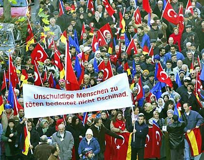 Turkish immigrants demonstrated against terror in Cologne this autumn.