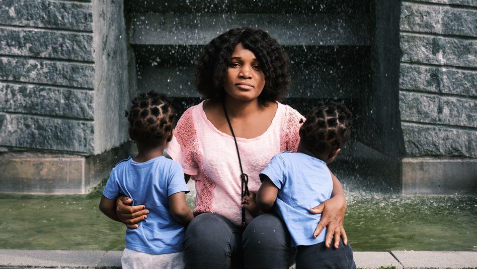 Nigerianerin Priscillia O., Töchter in München:Hoffen auf ein besseres Leben