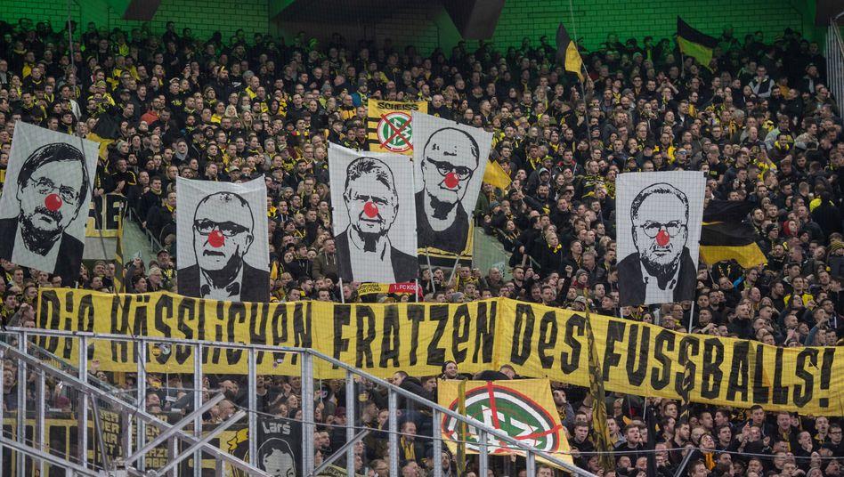 Gladbach gegen Dortmund: Auch bei diesem Spiel Anfang März protestierten Fans gegen Kollektivstrafen