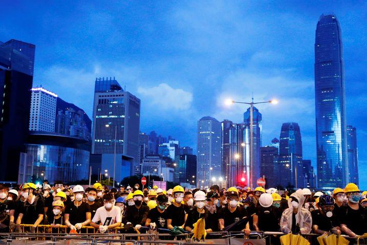 Demonstranten in Hongkong: Volksbefreiungsarmee dürfte in Krise eingesetzt werden