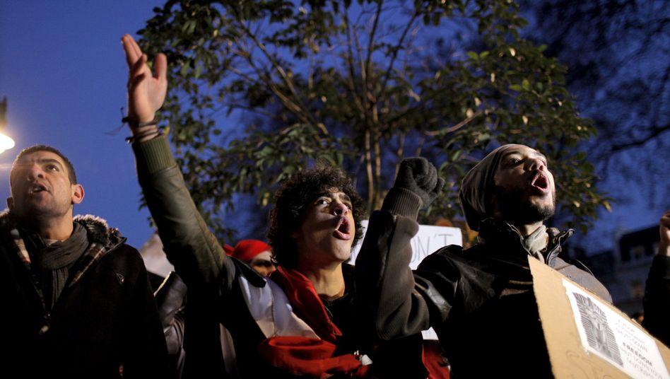 Demonstranten auf Kairos Straßen: Armee will keine Gewalt anwenden